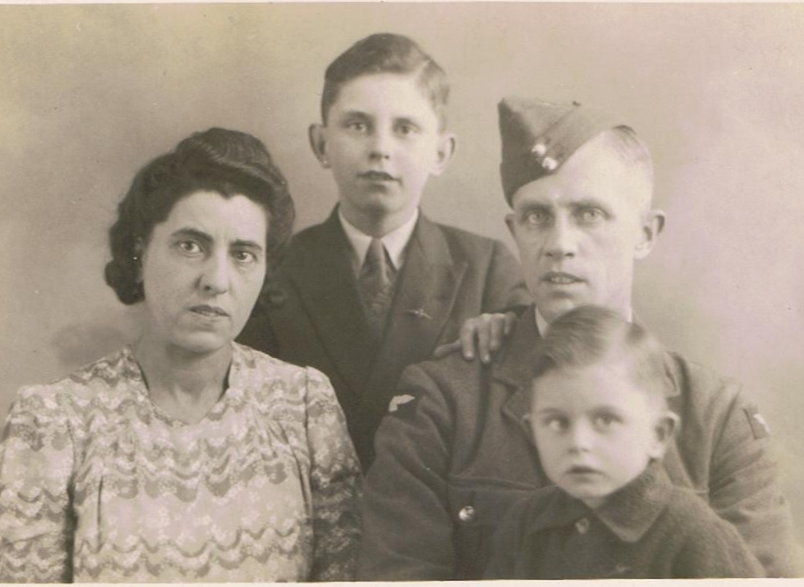 Thomas and Alice Wormley with their sons Dennis and Brian in the Second World War.
